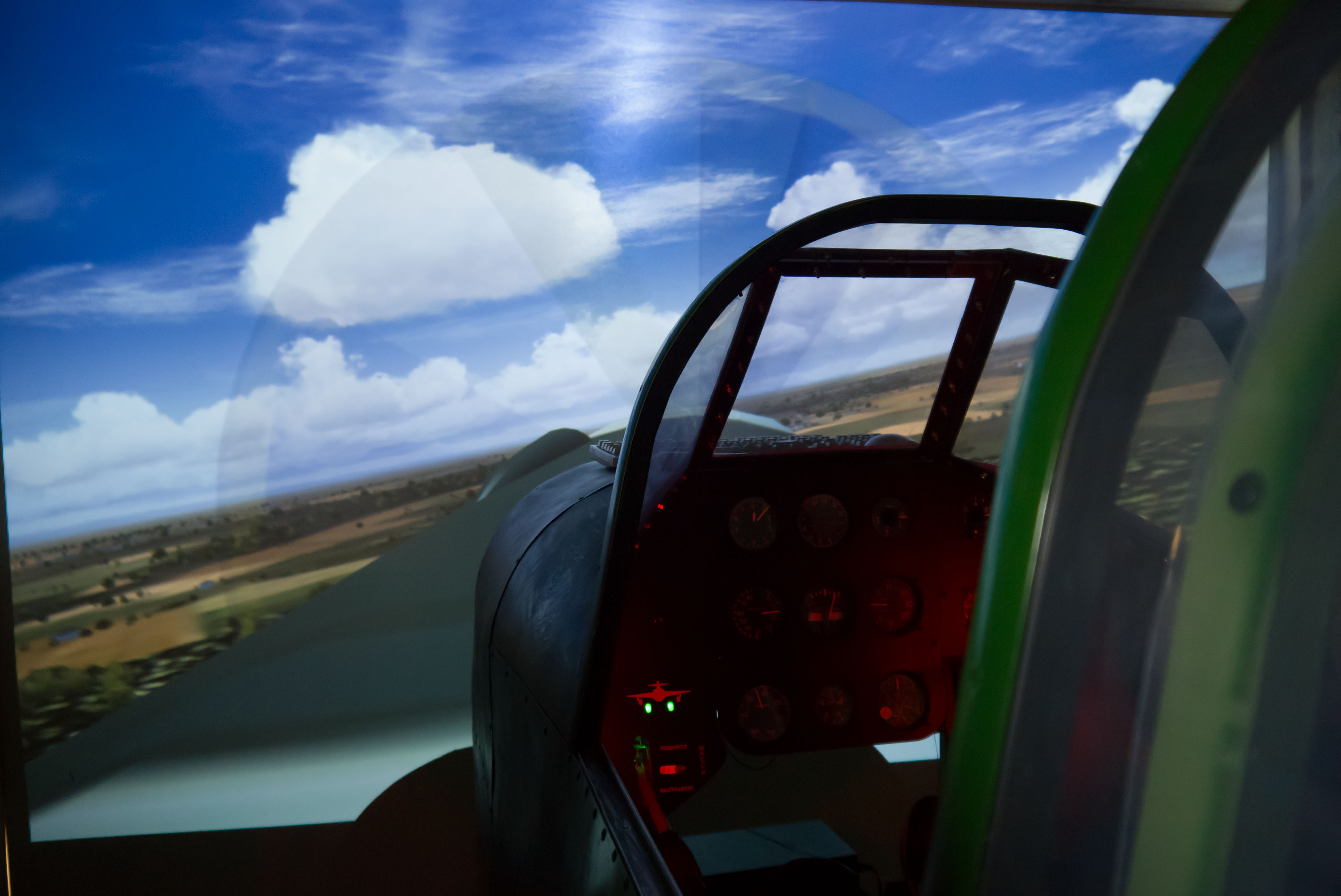 авиасимулятор самолета времен Второй мировой войны Як-9