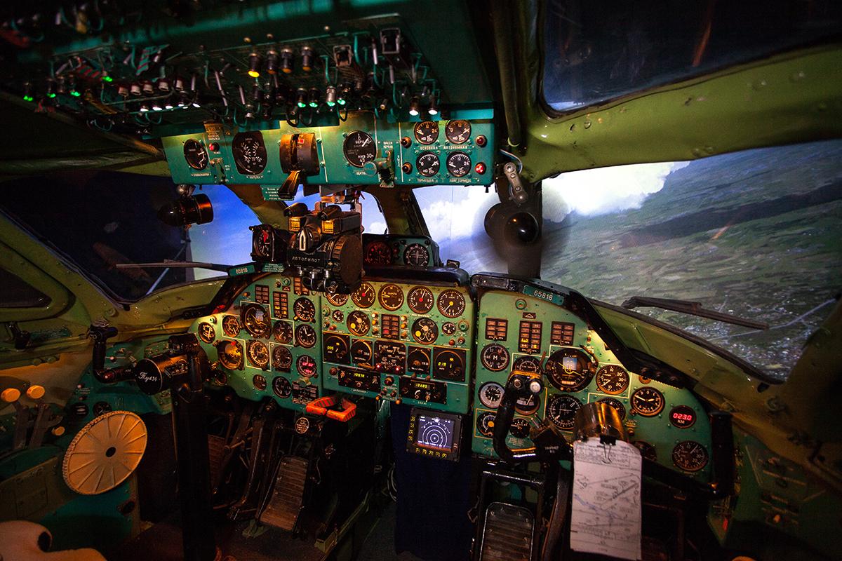 Авиационный тренажер пассажирского самолета Ту-134А