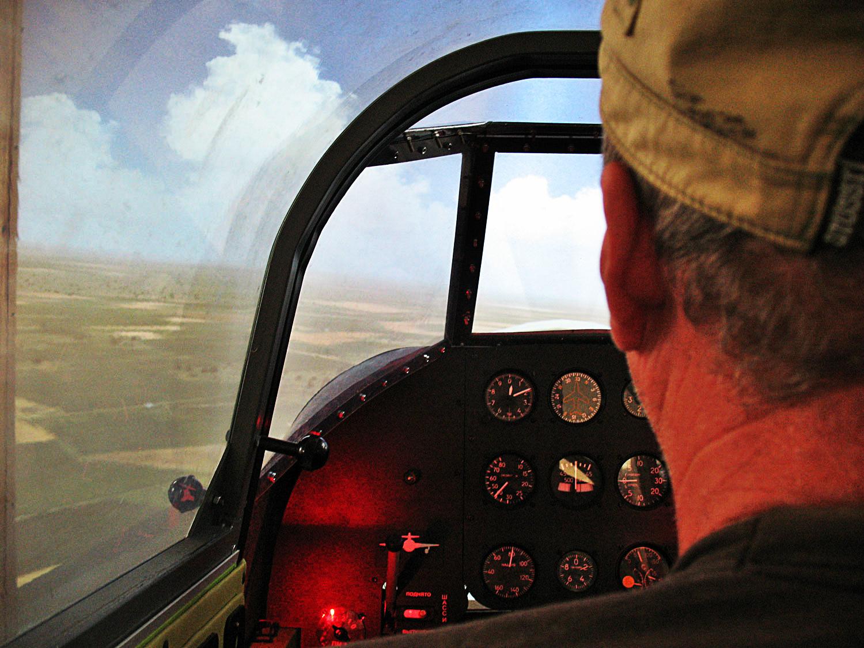 Симулятор винищувача Як-9