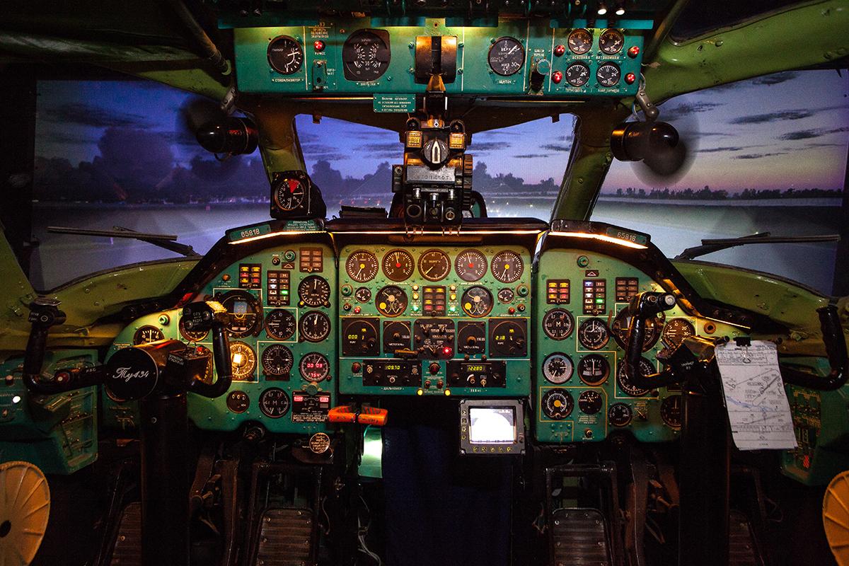 Тренажер пасажирського літака Туполев Ту-134А