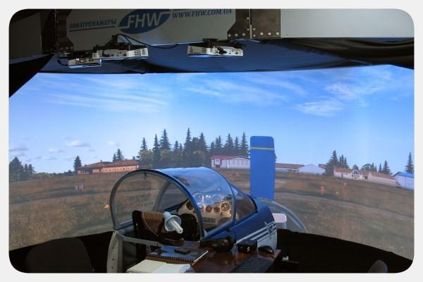 Пилотажный тренажер самолета Су-26М