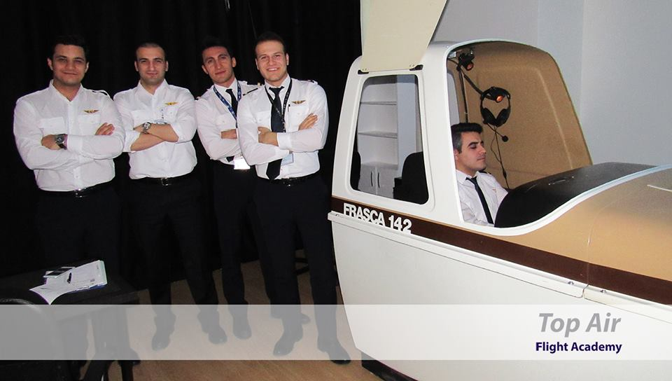 Pilot training on PA-34 simulator and training device